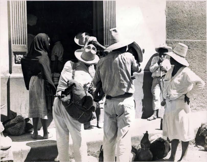 Entrando al Mercado Los Dolores