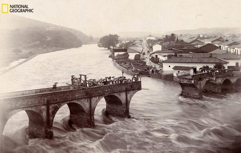La destrucción del Puente Mallol en 1906