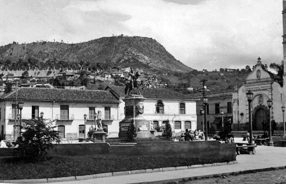 Callejón norte