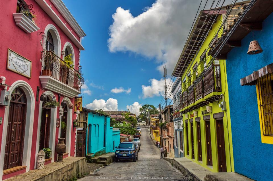 Los propietarios de viviendas decidieron poner bonita a Santa Rosa de Copán - Foto El Fotógrafo